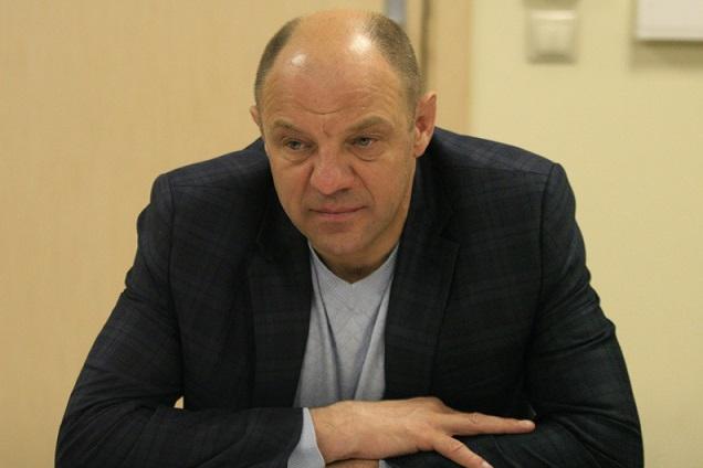 Президент клуба Виталий Антонов берет на себя также тренерские обязательства.