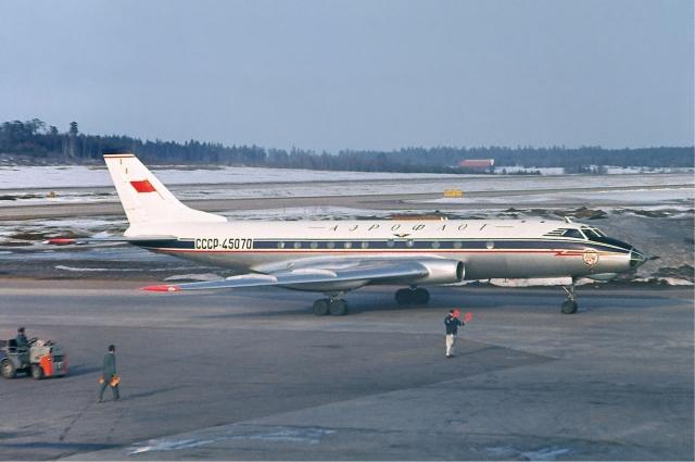 Вот такой самолет Ту-124 удалось посадить на воду советским летчикам.