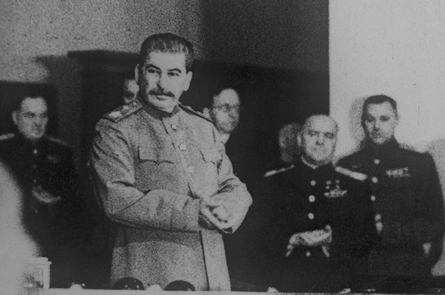Иосиф Сталин в годы Великой Отечественной войны 1941-1945 годов.