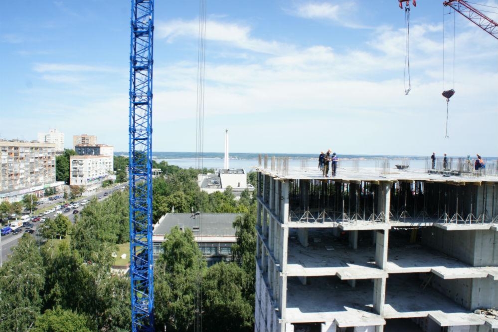 В месяц дом «подрастает» на три этажа.