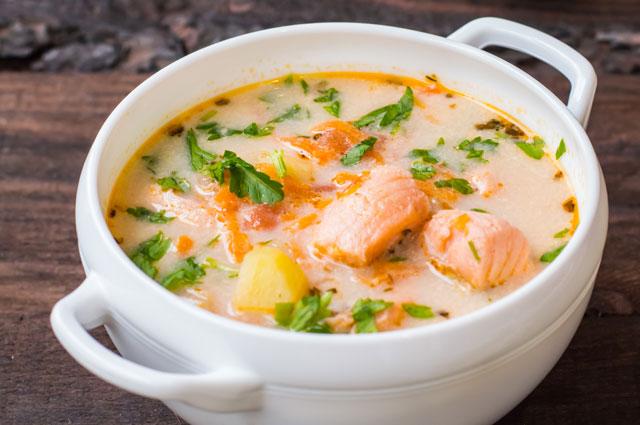 Лохикейто - традиционный сливочный суп из красной рыбы