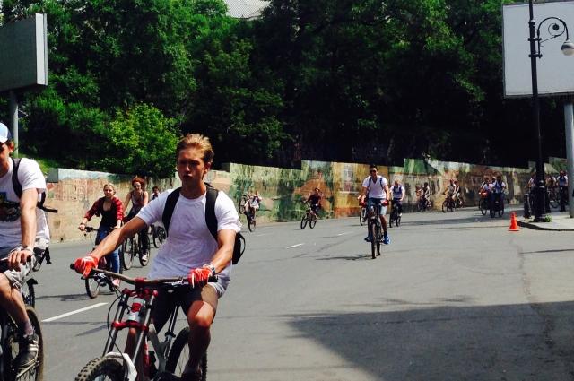 Лучше ездить на велосипеде, чем тягать штанги.