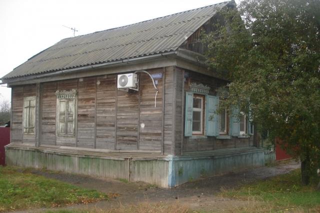 Сегодня дом на Чарджуйской, 59, где когда-то располагалась комендатура Сталинград-Зюден, выглядит так.