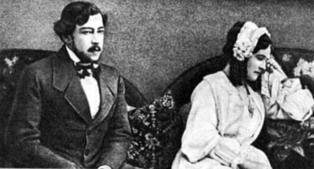 Константин Станиславский и Ольга Книппер в роли Ракитина и Натальи («Месяц в деревне» Ивана Тургенева) в 1909 году.