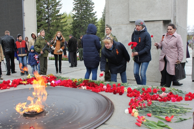 9 мая редакция «Аргументы и факты на Оби» возложит цветы к вечному огню на Монументе Славы.