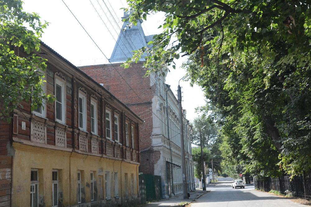 Здание поземельного банка с Газетного переулка.