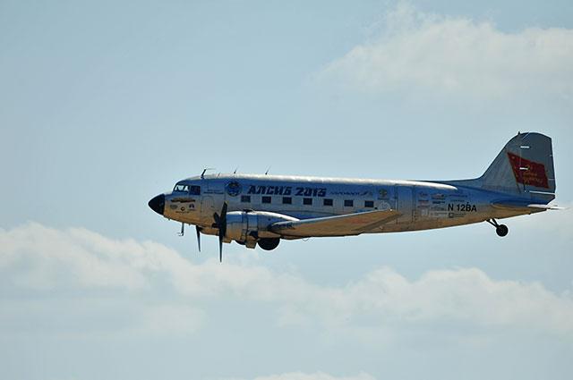 Самолёт Дуглас DC -3.