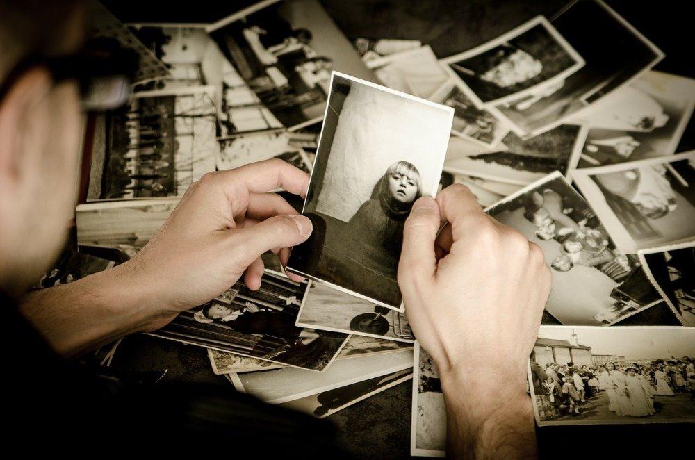 Те, у кого дома хранятся старые семейные фото, знают, как интересно их иногда рассматривать.
