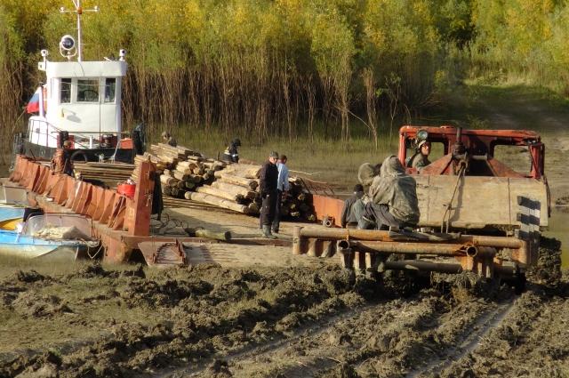 Чтобы перевезти амбар в Ханты-Мансийск, его пришлось разобрать по брёвнам.