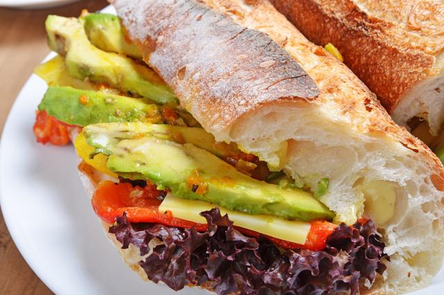 Сандвич с авокадо