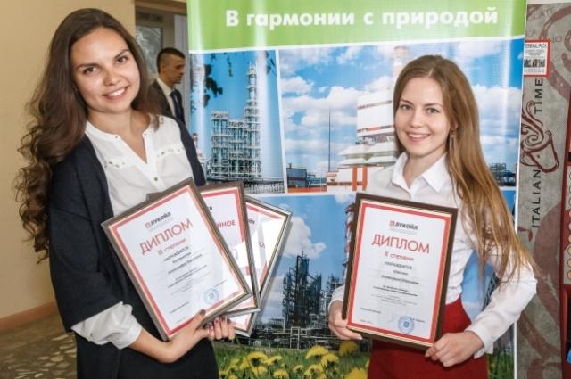 Более трёх десятков работ представили молодые специалисты на научно-технической конференции.