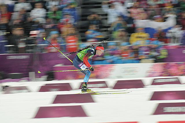 Победа в мужской эстафете в биатлоне стала одним из ключевых моментов всей Олимпиады. Даже тяжелый снег при плюсовой температуре не мог сдержать квартет российских биатлонистов