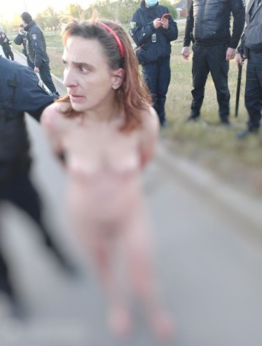 женщина носила в пакете отрезанную голову