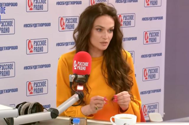 Алена Водонаева в Вечернем шоу с Аллой Довлатовой/