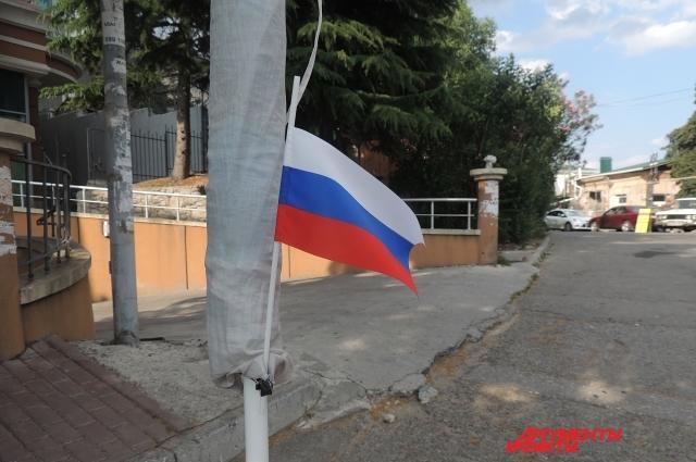 Российские флаги в Крыму повсюду