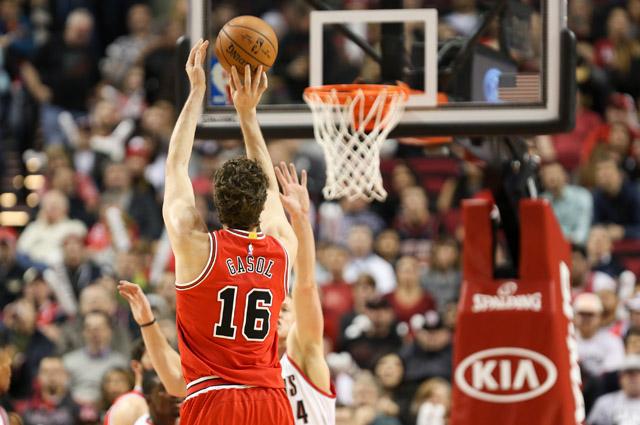 Баскетбол стал более динасмичным и зрелищным после введения новых правил.