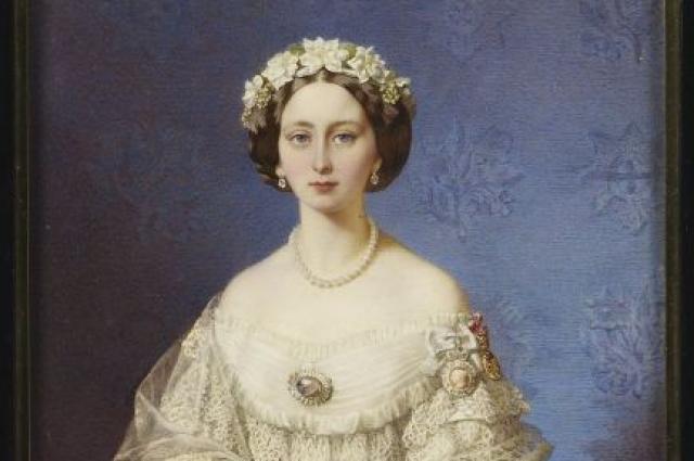 Королева Великобритании назначила своей дочери содержание в 6 тысяч фунтов стерлингов ежемесячно.