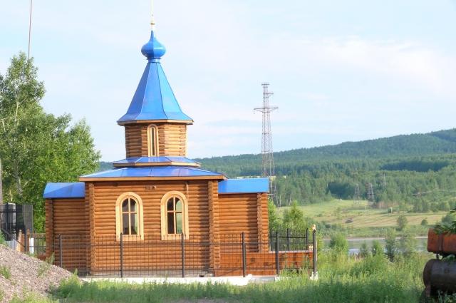 На территории предприятия построили часовню в честь Георгия Победоносца.