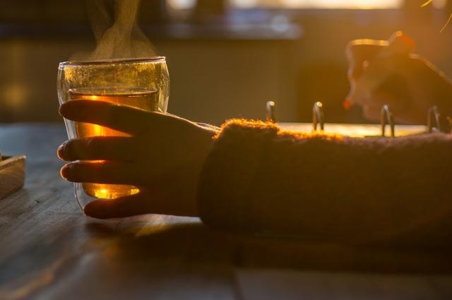 Горячий чай поможет быть ближе друг к другу.