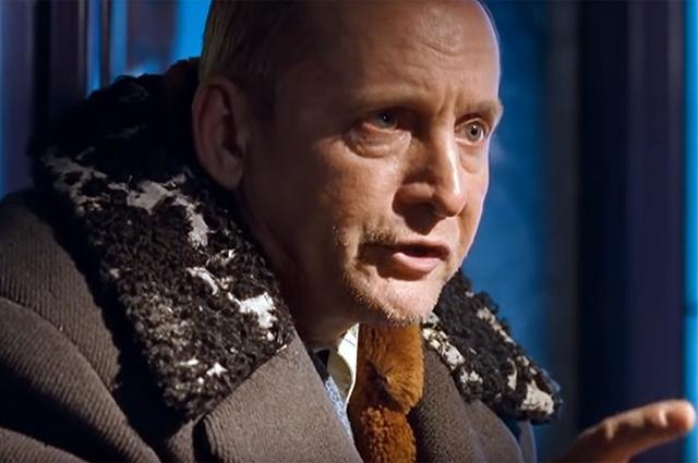 В роли мужика на остановке. «Ирония судьбы. Продолжение», 2007 г.