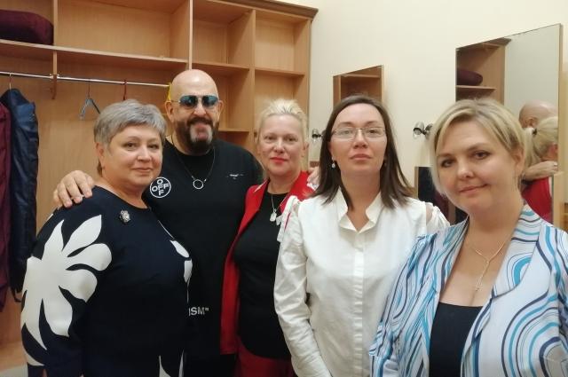 Бузулуские волонтеры и Михаил Шафутинский.
