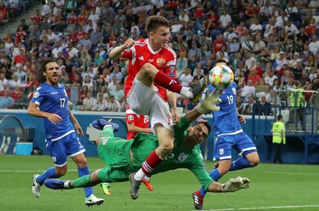 Многое в футболе можно заметить лишь на фотографии.