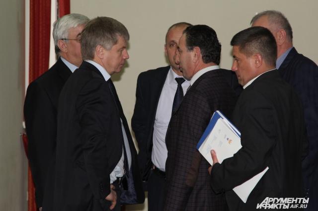 Николай Толстых провёл совещание в Азове