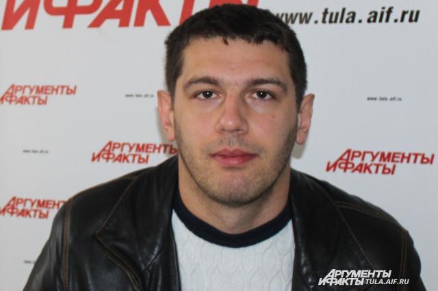 Константин Конов.