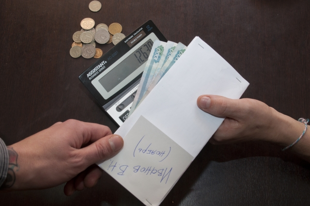 Зарплата в конвертах - не редкость для Карелии