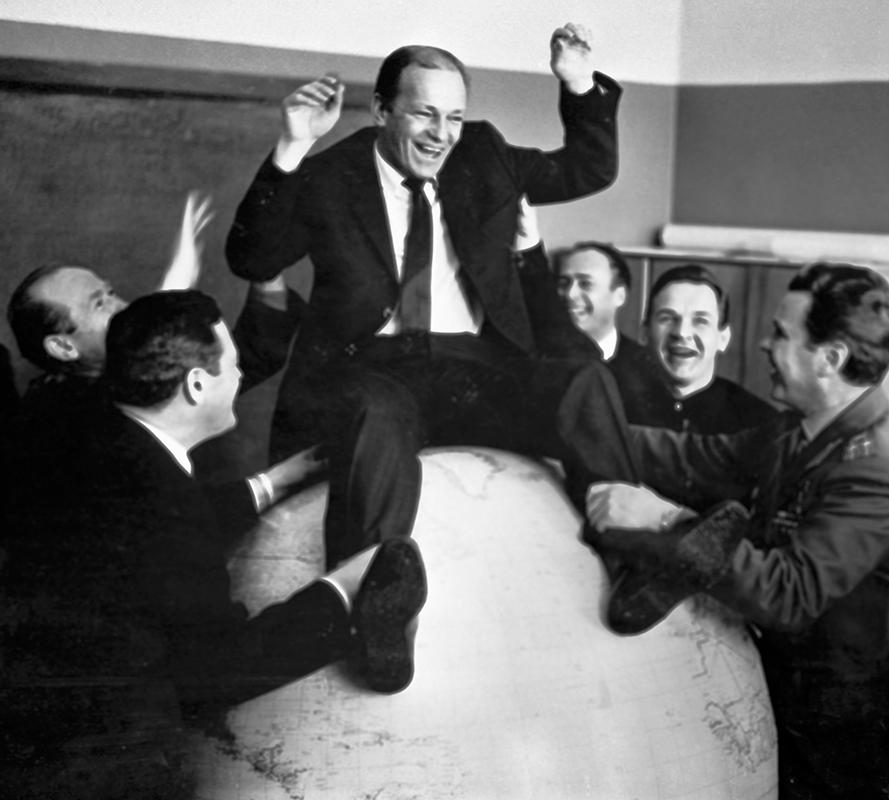 Традиционное посвящение в космонавты Николая Рукавишникова, 1967 г.