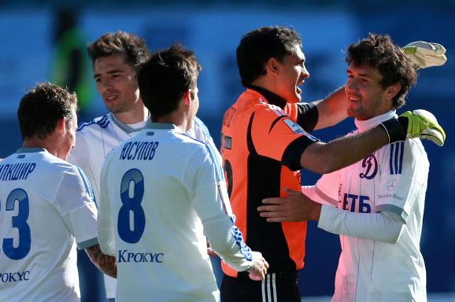 Юрий Жирков принимал поздравления в матче с ЦСКА дважды