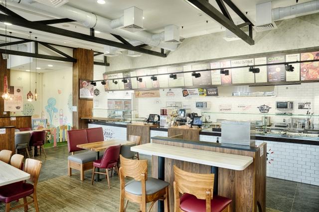 Формат кухни фаст-кэжуал подразумевает высокую скорость обслуживания в сочетании с качественной и полезной едой.