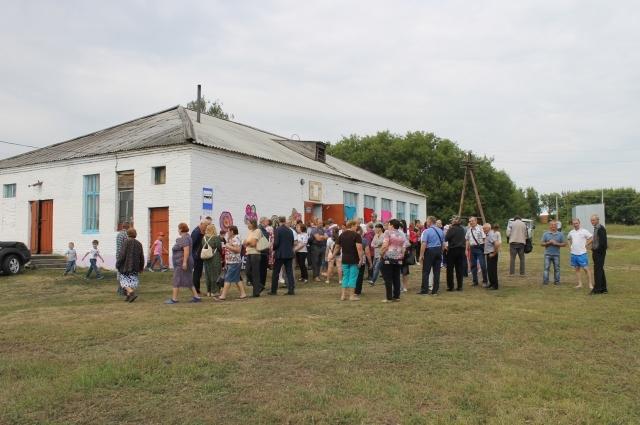 Жители села пришли на памятное мероприятие.