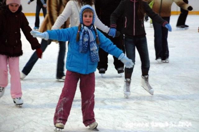 катание на коньках, каток