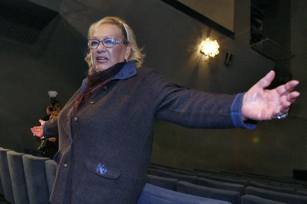 Галина Волчек во время сбора труппы театра Современник . 2007 г