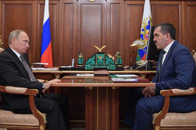 Владимир Путин и Юнус-Бек Евкуров во время встречи.