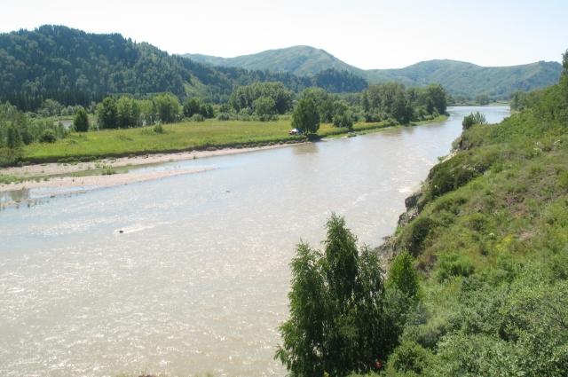 Река Уба - непредсказуемая и порой опасная.