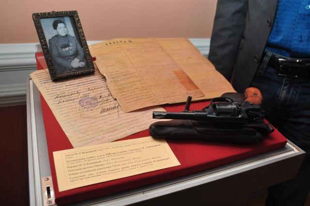 В центре изучения истории Гражданской войны есть стенд, посвящённый Марии Бочкарёвой. Она приезжала в Омск к Колчаку.