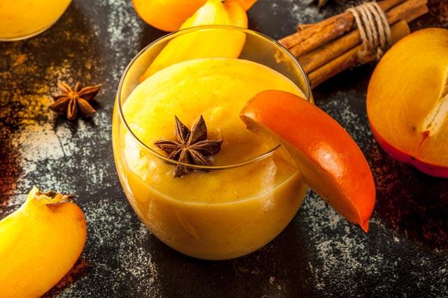 В интернете можно найти рецепты напитков из хурмы для холодной осени и зимы.