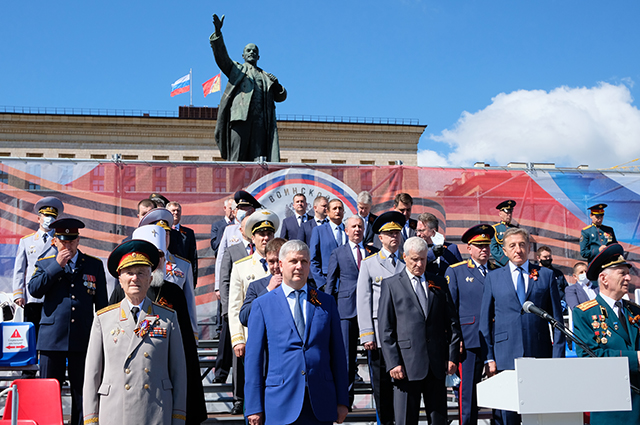 Александр Гусев принял участие в военном параде в честь 75-й годовщины Победы в Великой Отечественной войне