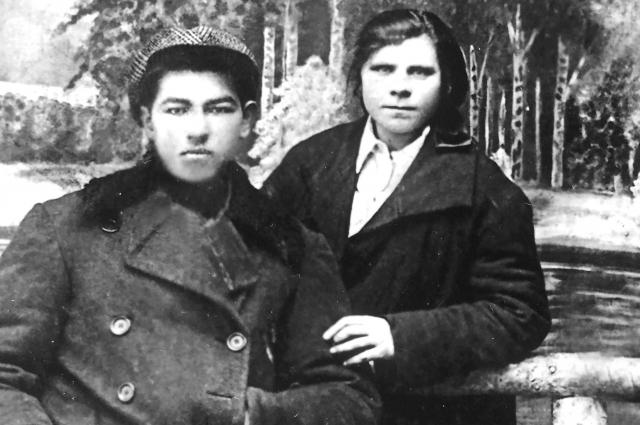 Дедушка и бабушка Натальи Тованчевой, родители ее мамы, Пётр и Анфиса Лебедевы.