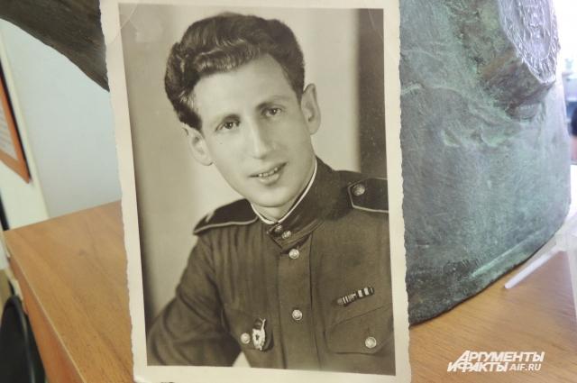Илья Эренбург, как и сотни других советских военнопленных, погиб бы, если бы не старания русского доктора