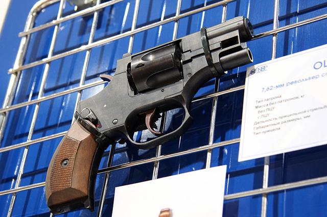 Бесшумный револьвер Стечкина, созданный по заказу российских специальных служб.