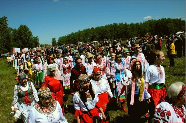 Представители всех национальностей живут в Омской области в мире и дружбе.