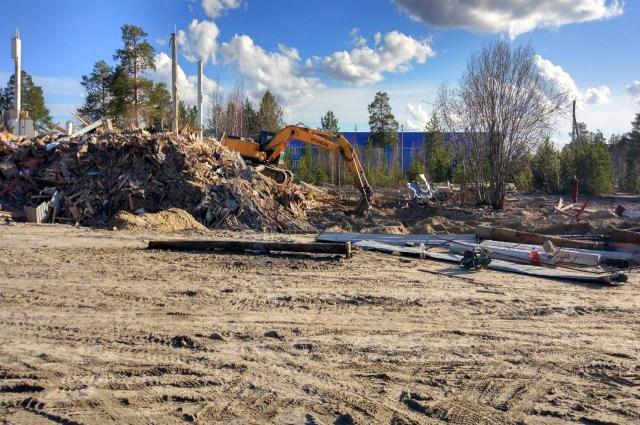 Демонтаж ветхого здания на территории будущей многофункциональной площадки