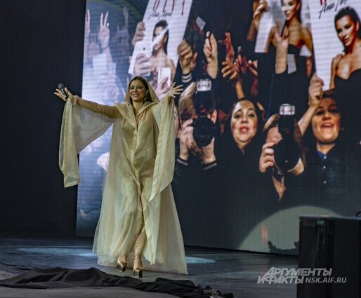Ани Лорак, концерт, ДКЖ, Новосибирск