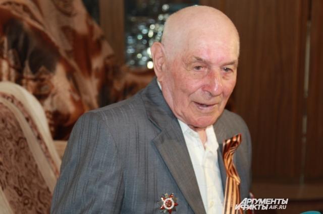 Ефрейтор Николай Высторопец совершил подвиг в возрасте 18 лет!