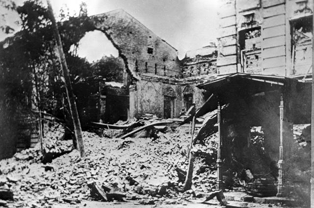 Дома, разрушенные петлюровцами в городе Умани. 1919 год.