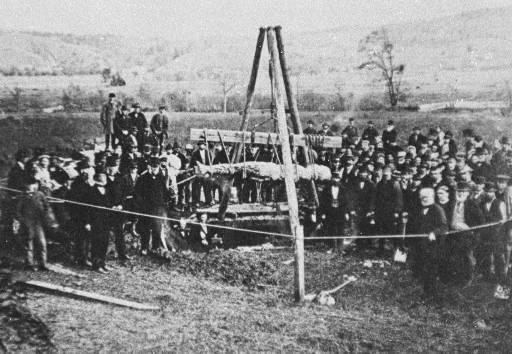 Извлечение из земли Кардиффского гиганта в октябре 1869 года.