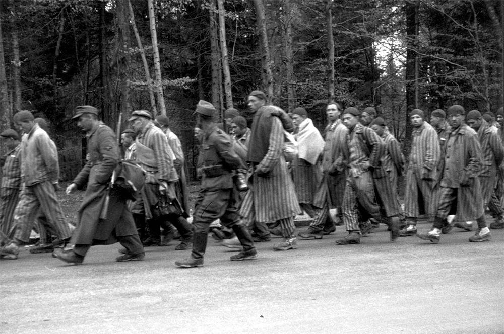 «Марш смерти» узников лагеря Дахау.